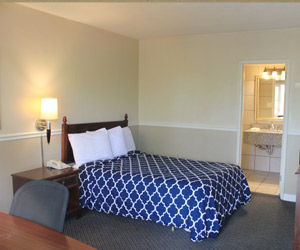 Alpine Inn rooms and amenities in Rockford Il near me